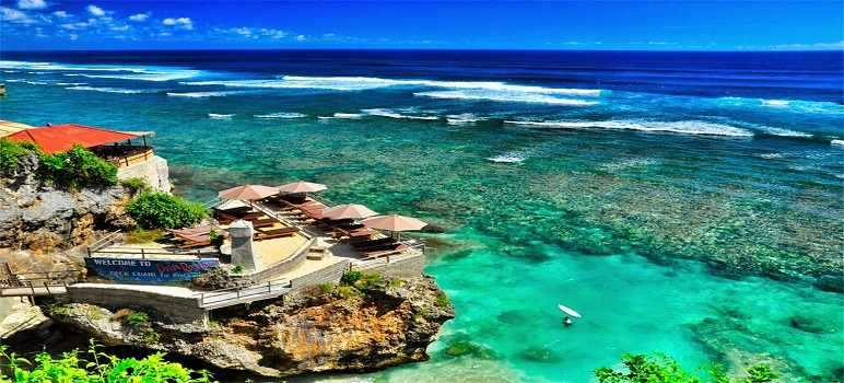 Pantai Suluban Blue Point di Pecatu Uluwatu Bali