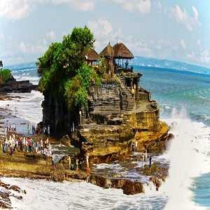Sejarah Pura Tanah Lot di Desa Beraben Tabanan Bali