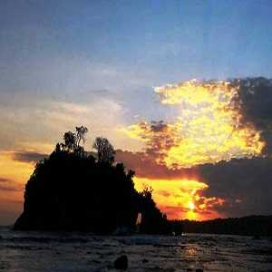 Crystal Bay Beach Nusa Penida Bali