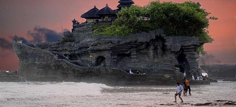 Sejarah Tanah Lot Bali