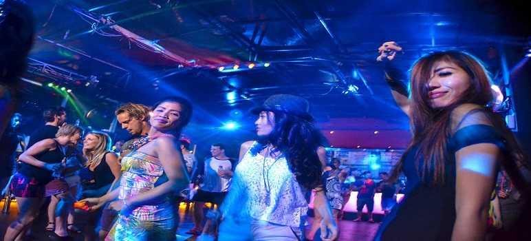 Tempat Hiburan Malam di semenanjung Nusa Dua Bali