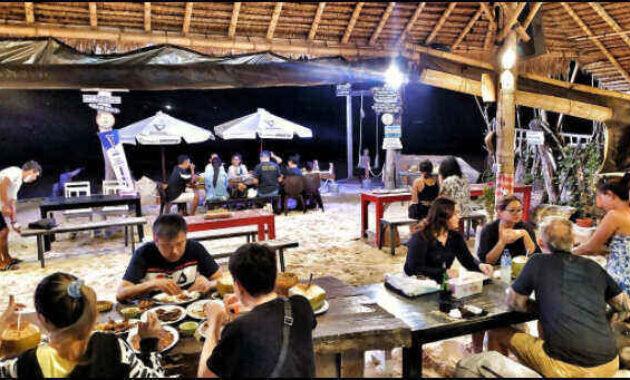 tempat_makan_seafood_di_pantai_kelan_bali
