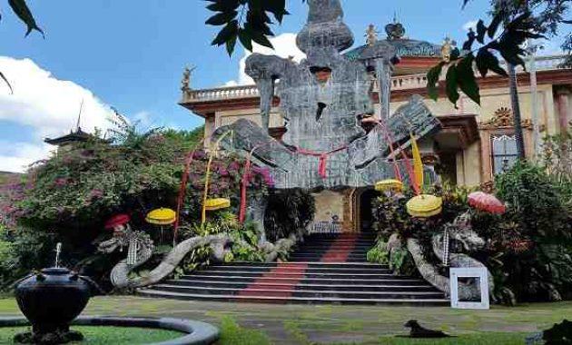 Musum Blanco Renaissance Ubud Gianyar Bali