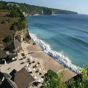 Objek Wisata Pantai Dreamland di Bali