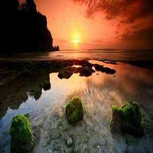 Sunset Pantai Padang Padang Bali di Labuan Sait Pecatu
