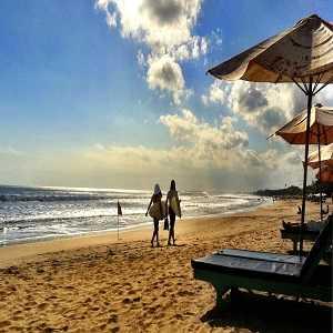 Tempat Wisata Pantai Seminyak Bali