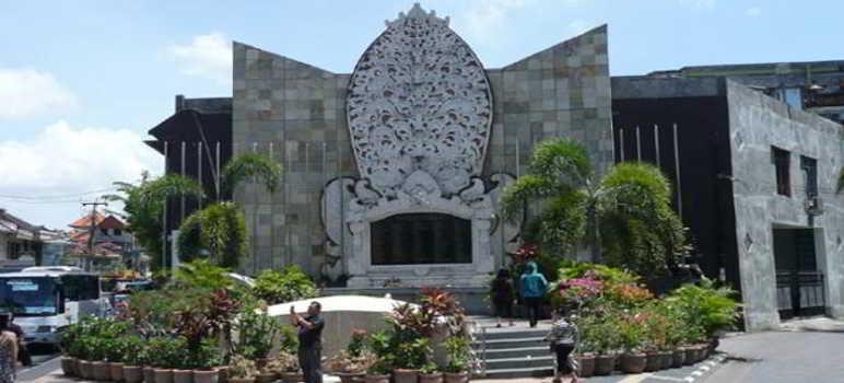 Monumen Bom Bali 2 di Jalan Legian Kuta