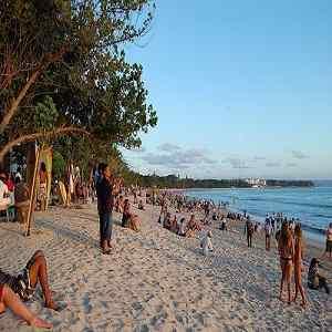 Pantai Tempat Bule Memakai Bikini di Bali