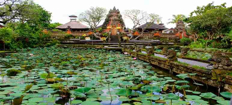 Pura Taman Saraswati Ubud Gianyar Bali