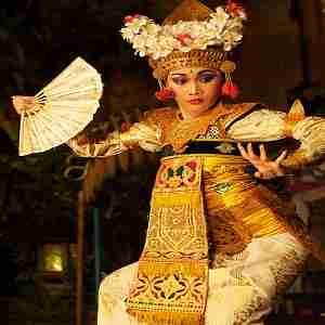 Tari Legong Ubud Bali