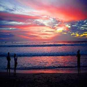 Sunset di Pantai Seminyak Kuta Bali