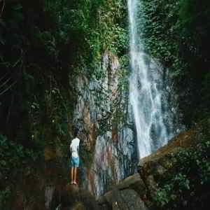 Air Terjun Jaga Satru Karangasem Bali