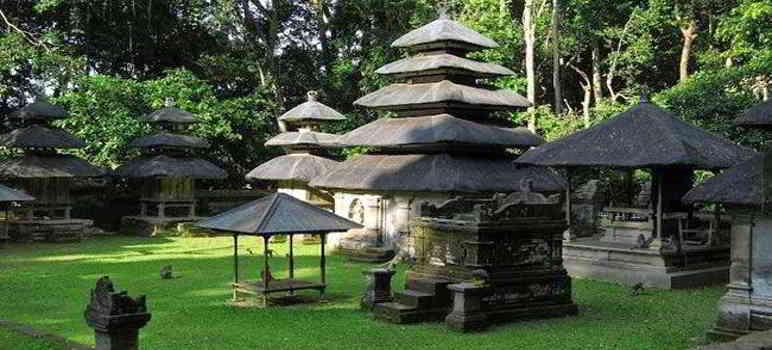 Objek Wisata Alas Kedaton Temple Tabanan Bali