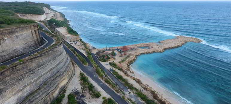 Pantai Melasti Ungasan Kuta Selatan Badung Bali