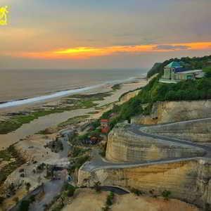 Sunset di Pantai Melasti Ungasan Kuta Selatan Badung Bali