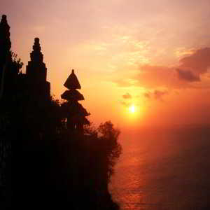 Sunset di Pura Luhur Uluwatu Bali