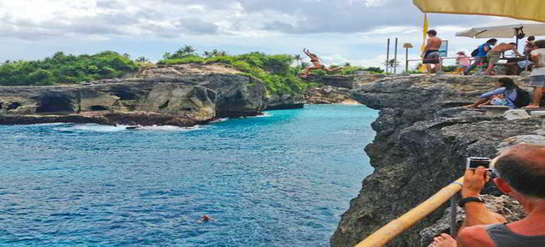 Blue Lagoon Cliff Jump Nusa Ceningan Bali