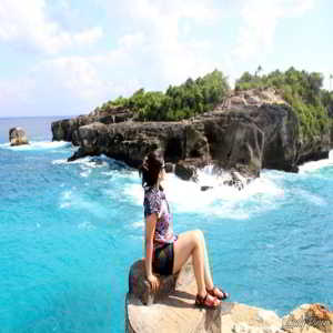 Nusa Ceningan Cliff Jumping Point Bali