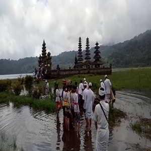 Danau Tamblingan Bedugul Bali