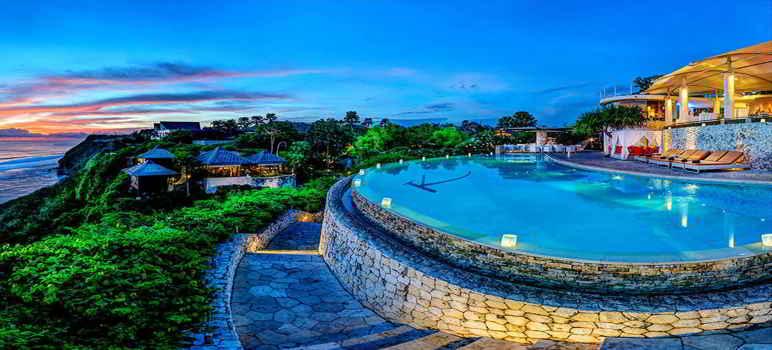 Hotel Pinggir Pantai di Bali