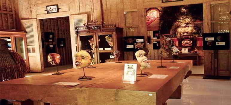 Museum Topeng dan Wayang Setia Darma Bali