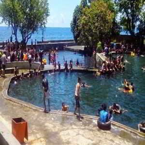 Objek Wisata Air Sanih Singaraja Bali
