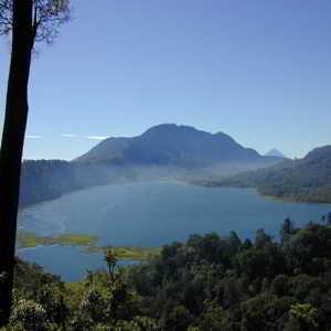 Objek Wisata Munduk Danau Buyan Bedugul Bali