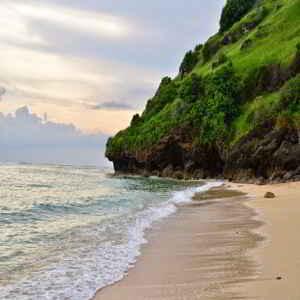 Objek Wisata Pantai Gunung Payung Bali