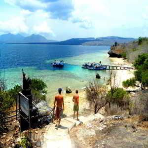 Objek Wisata Pantai Menjangan Bali