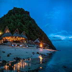 Objek Wisata Pantai Karma Kandara Bali