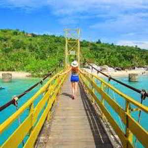 Jembatan Kuning Nusa Ceningan Bali