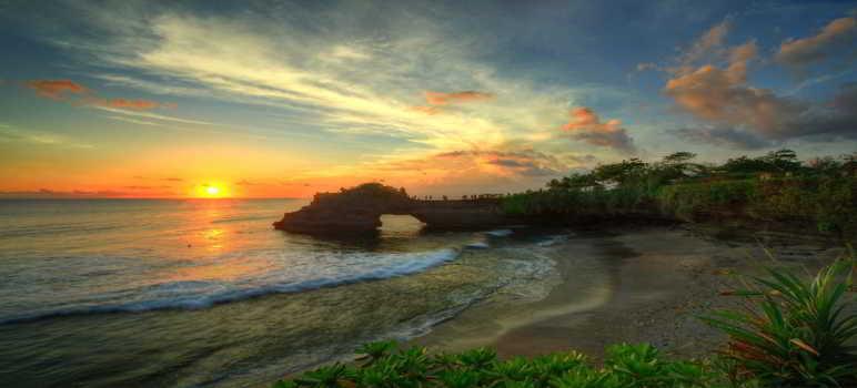 Pantai Dan Pura Batu Bolong Canggu Bali