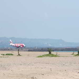 Pantai Jerman Dekat Bandar Udara Internasional Ngurah Rai Bali