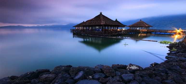 Resto Apung Danau Batur Kintamani Bali
