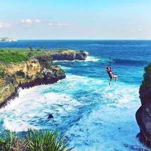 Abyss Zipline Nusa Ceningan Bali