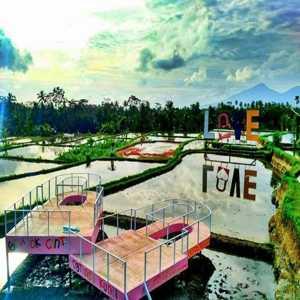 Gembok Cinta Tegalalang Bali