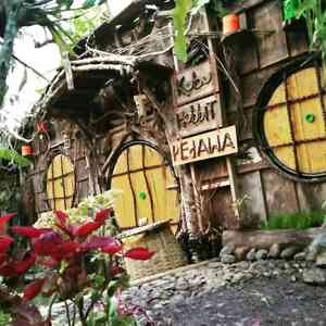 Kubu Hobbit Pedawa Bali