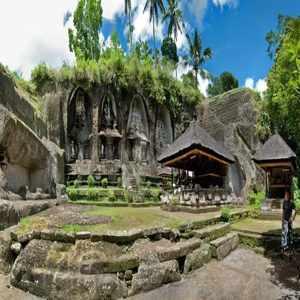Candi Gunung Kawi Gianyar Bali
