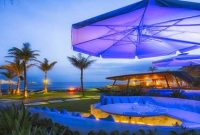 Komune Beach Club Bali di Pantai Keramas Kabupaten Gianyar