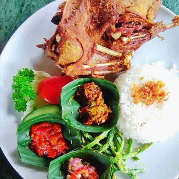 Menu Bebek Tepi Sawah Ubud Bali