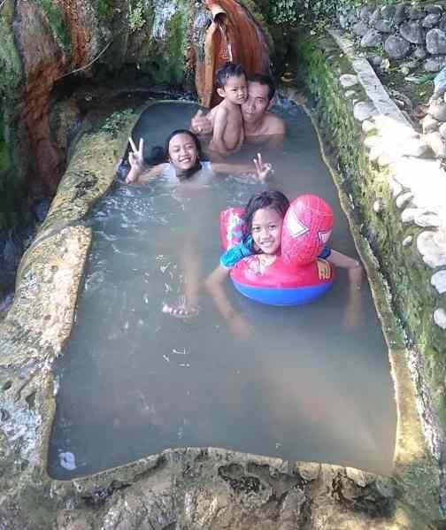 Pemandian Air Panas Angseri Tabanan Bali