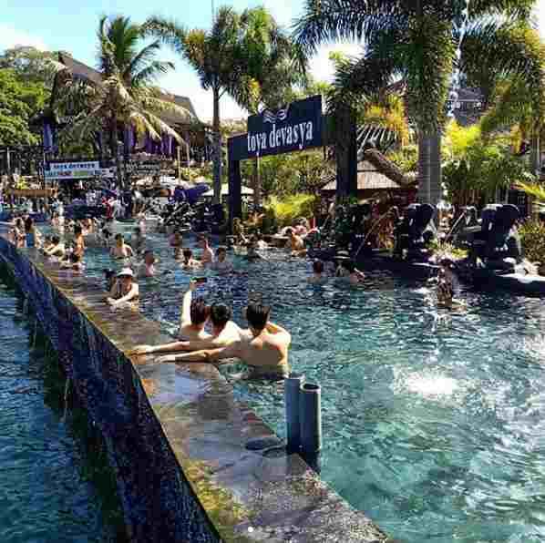 Kolam Pemandian Air Panas Toya Devasya Kintamni Bali