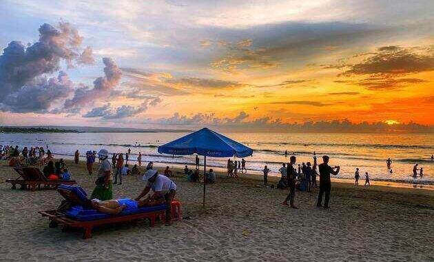 sunset_di_pantai_kuta_bali