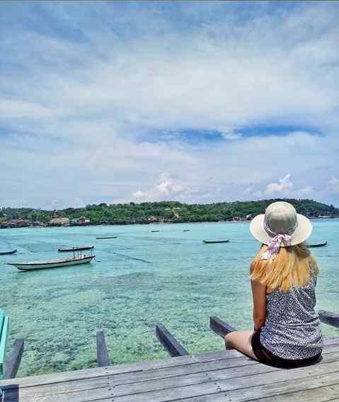 Le Pirate Beach Club Nusa Ceningan Bali – Menu, Minimum Order & Harga
