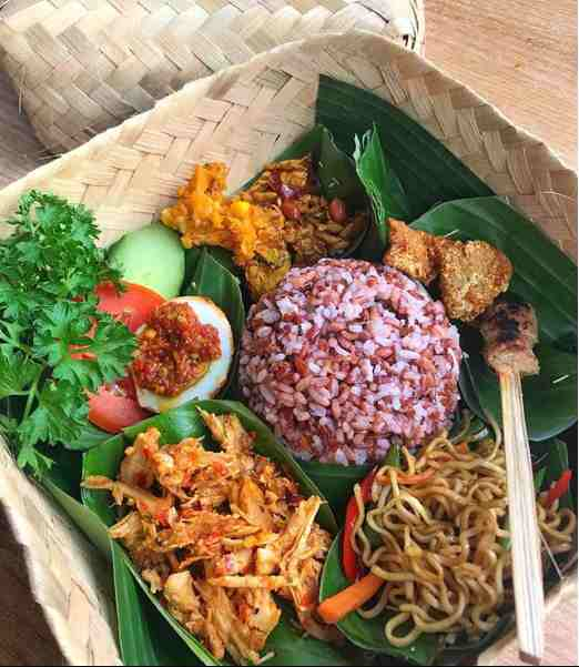 15 Makanan Khas Bali Terpopuler Info Sejarah Yang Halal Harga