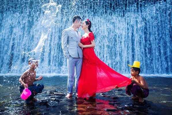 Gambar Foto Prewedding di Tukad Unda Bali