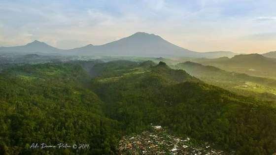 Puncak Jati Desa Timuhun Banjarankang Klung Bali