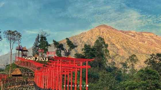 Taman di Besakih Bali