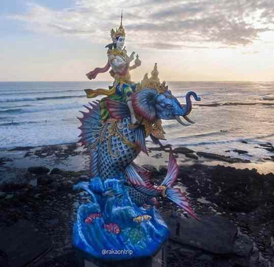 Patung Gajah Mina di Pererenan Beach Canggu