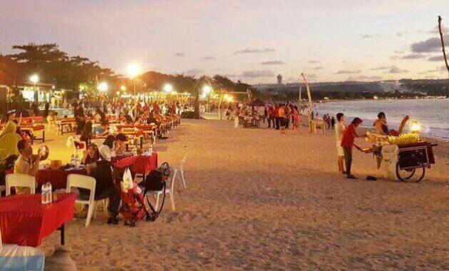 cafe_seafood_di_pinggir_pantai_kedonganan_kabupaten_badung_bali